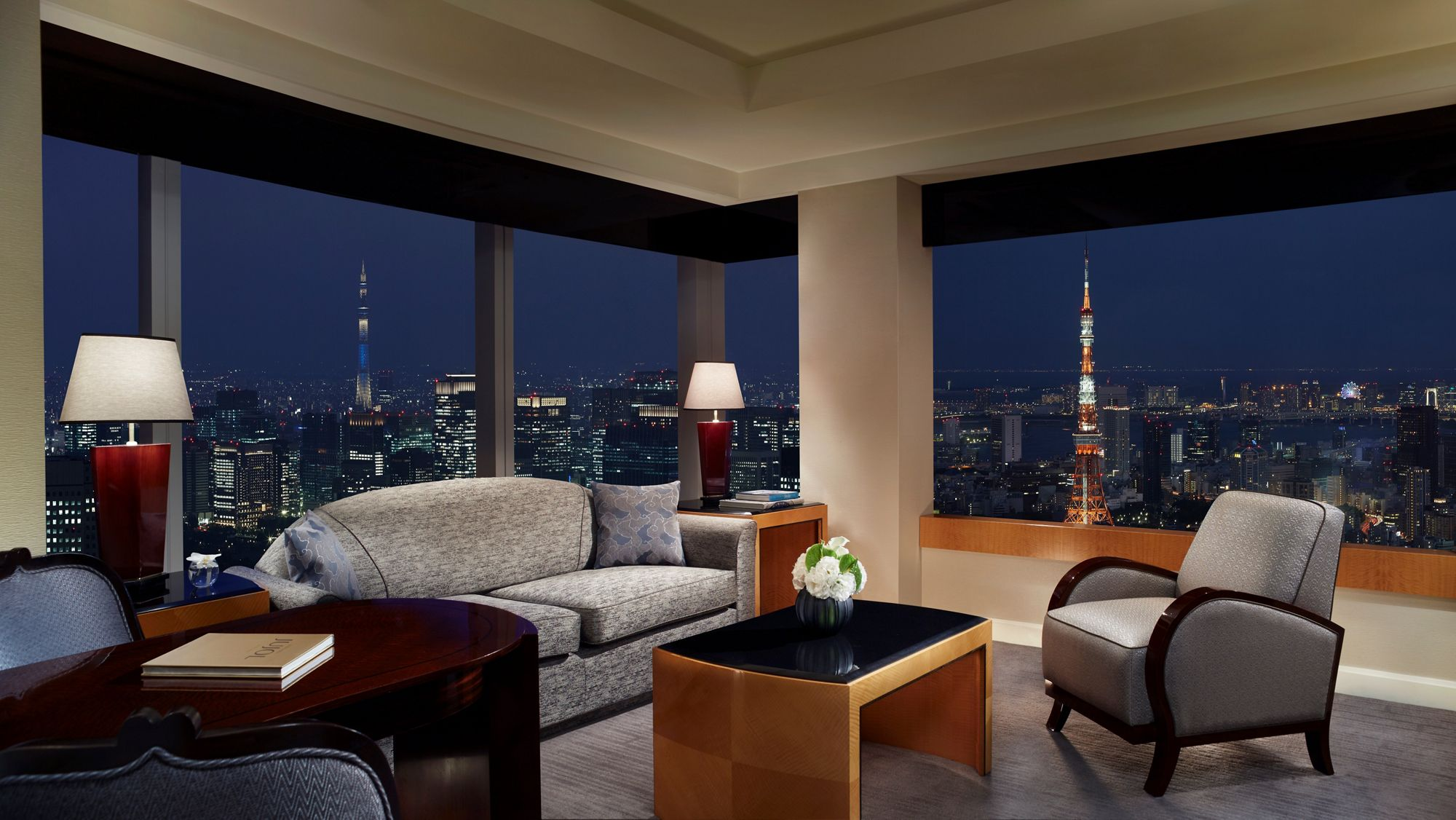 30 interesting facts about tokyo for Hotel decor for sale