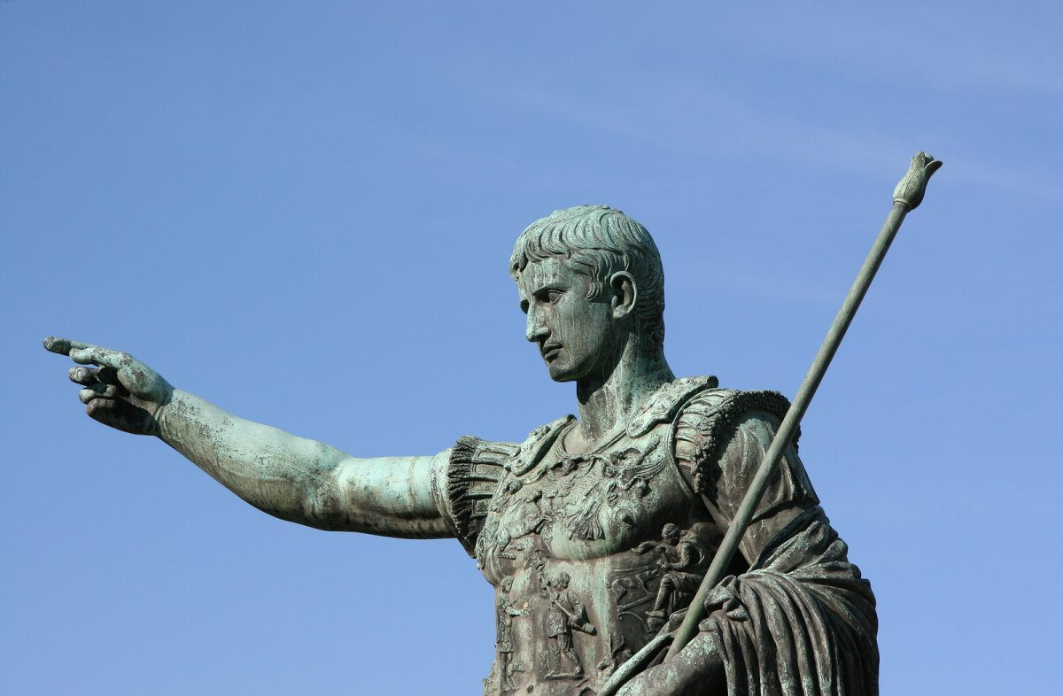 the early life and times of julius caesar Kids learn about the biography of julius caesar from ancient rome the first  christain roman  where did caesar grow up julius caesar was born in  subura, rome in the year 100 bc  he was stabbed 23 times interesting facts  about.