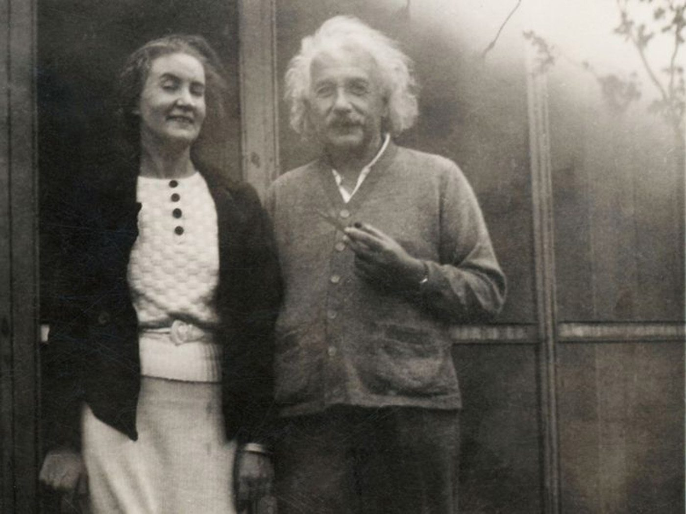 history of albert einstein Albert einstein was one of the most famous scientists of the 20th century here, are a few things about his life you might like to know he was born on 14th march, 1879 in germany to a businessman father.