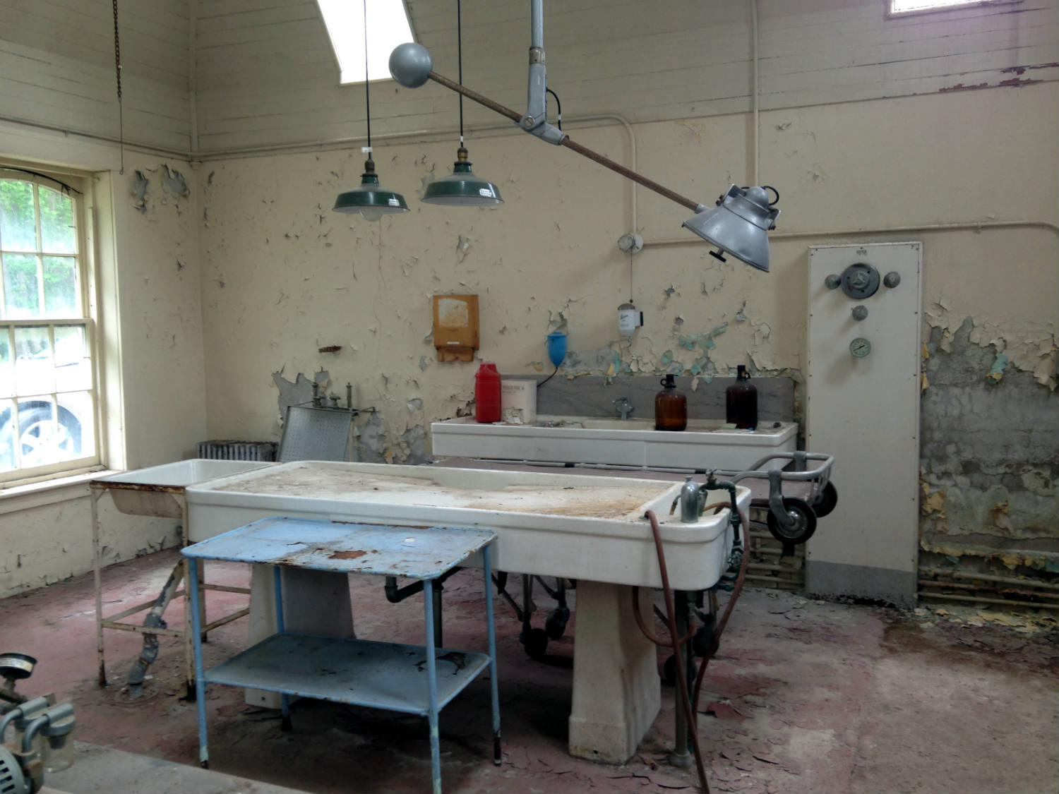 44 Freaky Facts About Insane Asylums