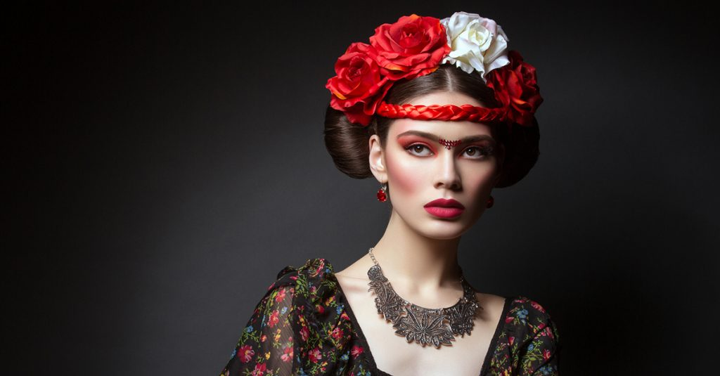 24 Stunning Facts About Strange Historical Beauty Practices