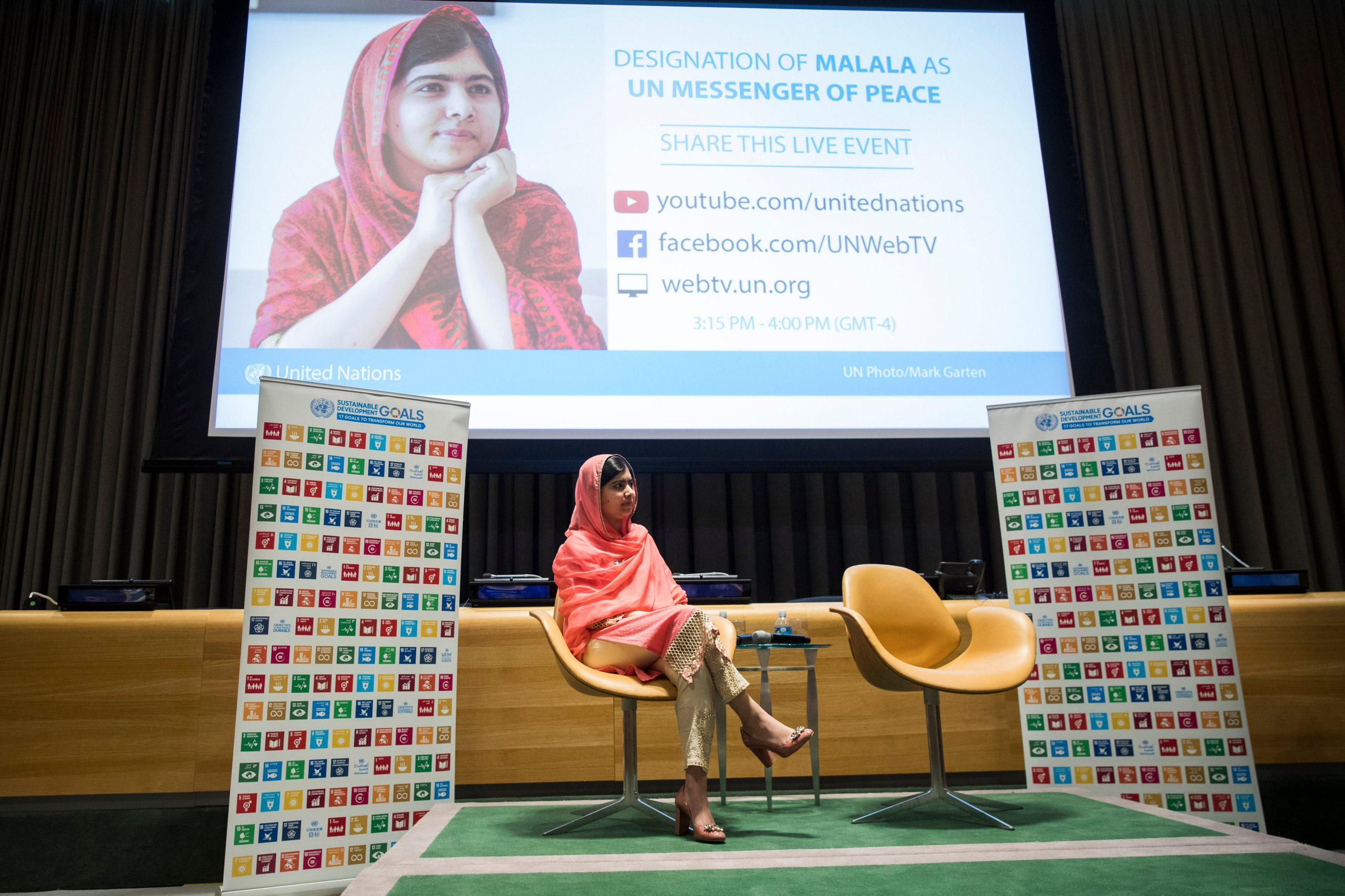 Malala Yousafzai Facts Malala Yousafzai Elevated To United Nations Messenger Of Peace