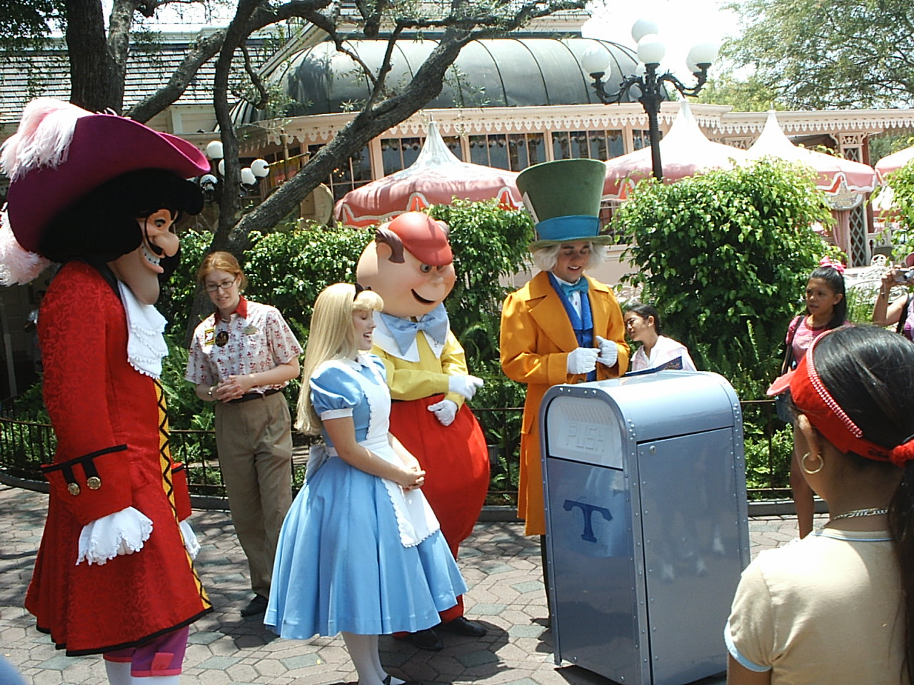 Disneyland And Walt Disney World facts