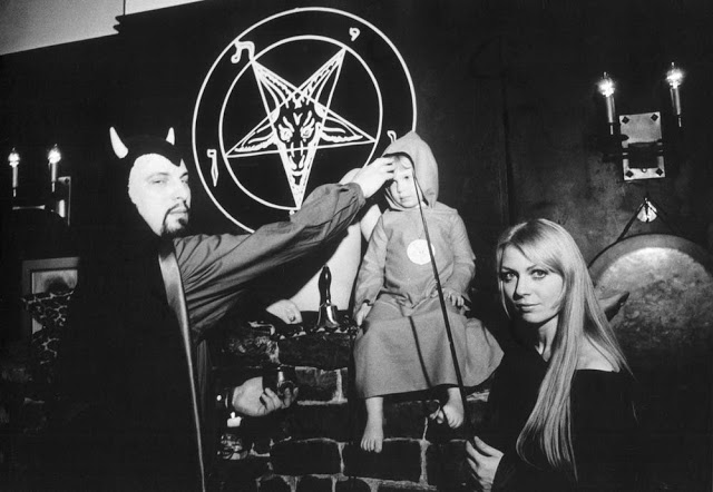 42 Diabolical Facts About Anton LaVey, Founder Of The Church ...