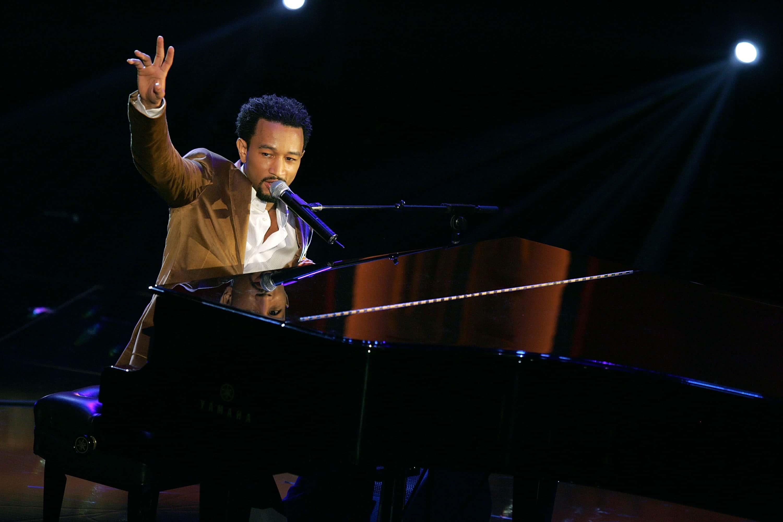 10th Annual Soul Train Lady of Soul Awards - Show. John Legend.