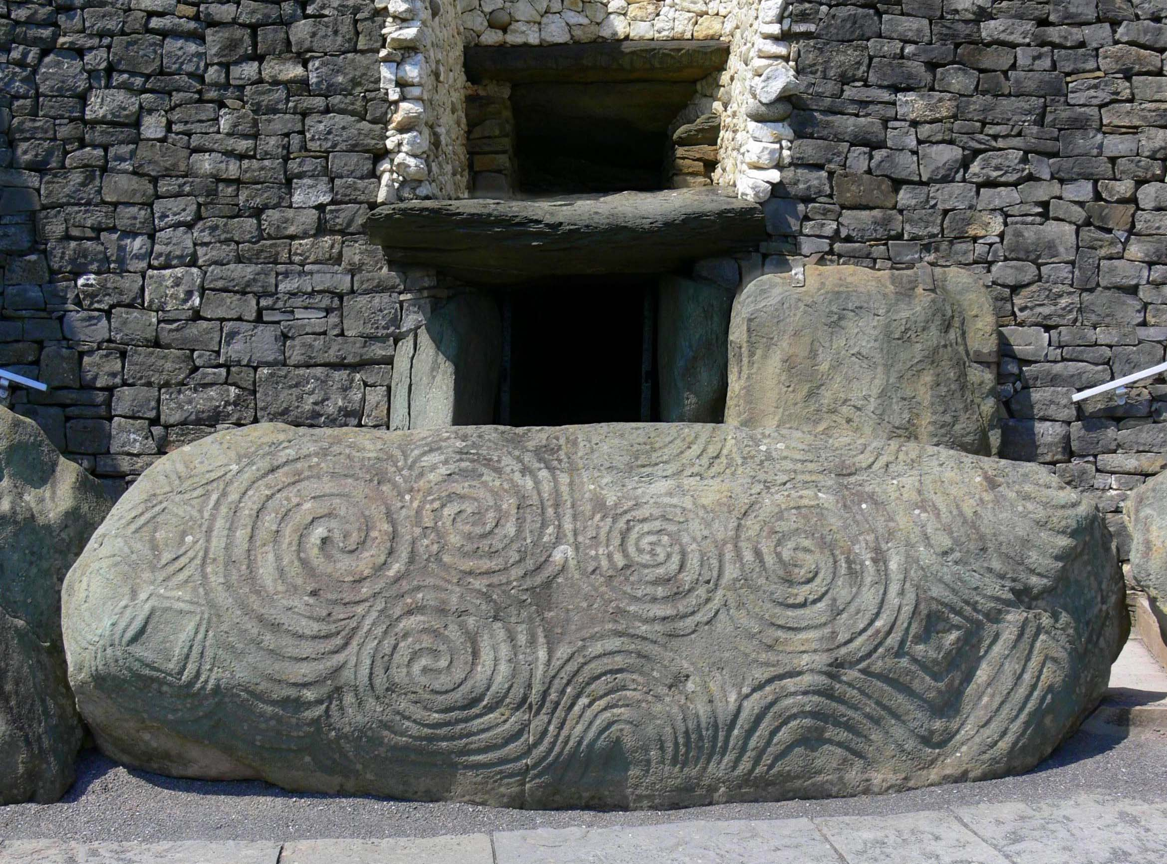 Mysterious Burial Sites facts