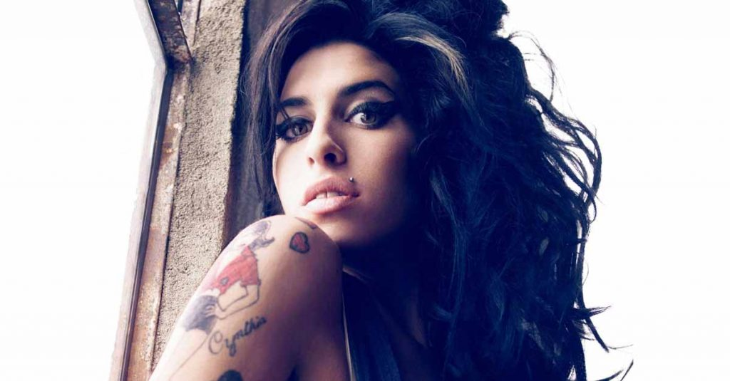 42 Tragic Facts About Amy Winehouse