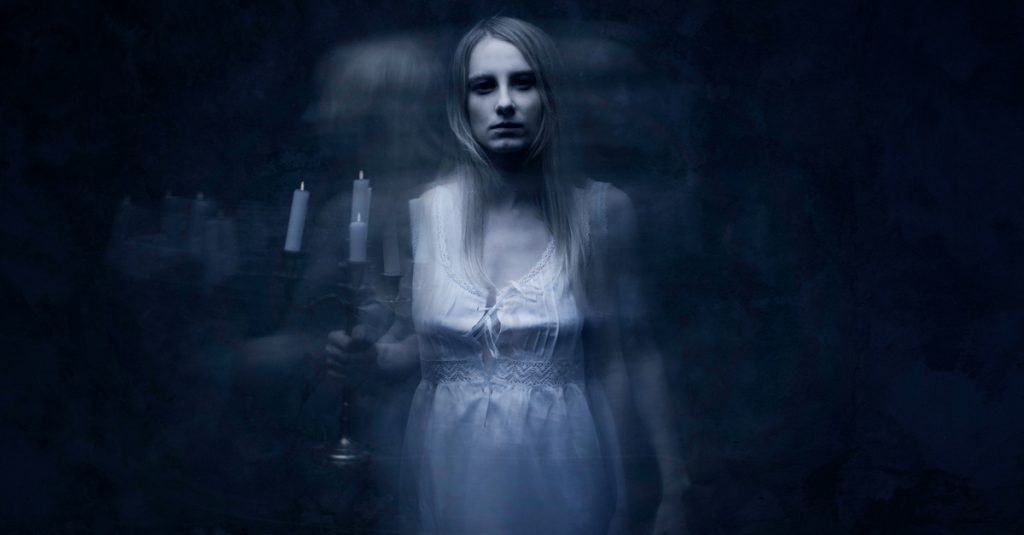 42 Chilling Facts About Famous Ghosts