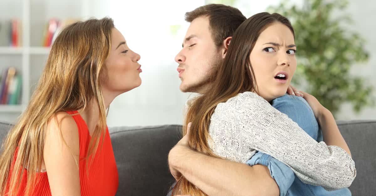 себя подруги меняются мужьями смотреть появляется его