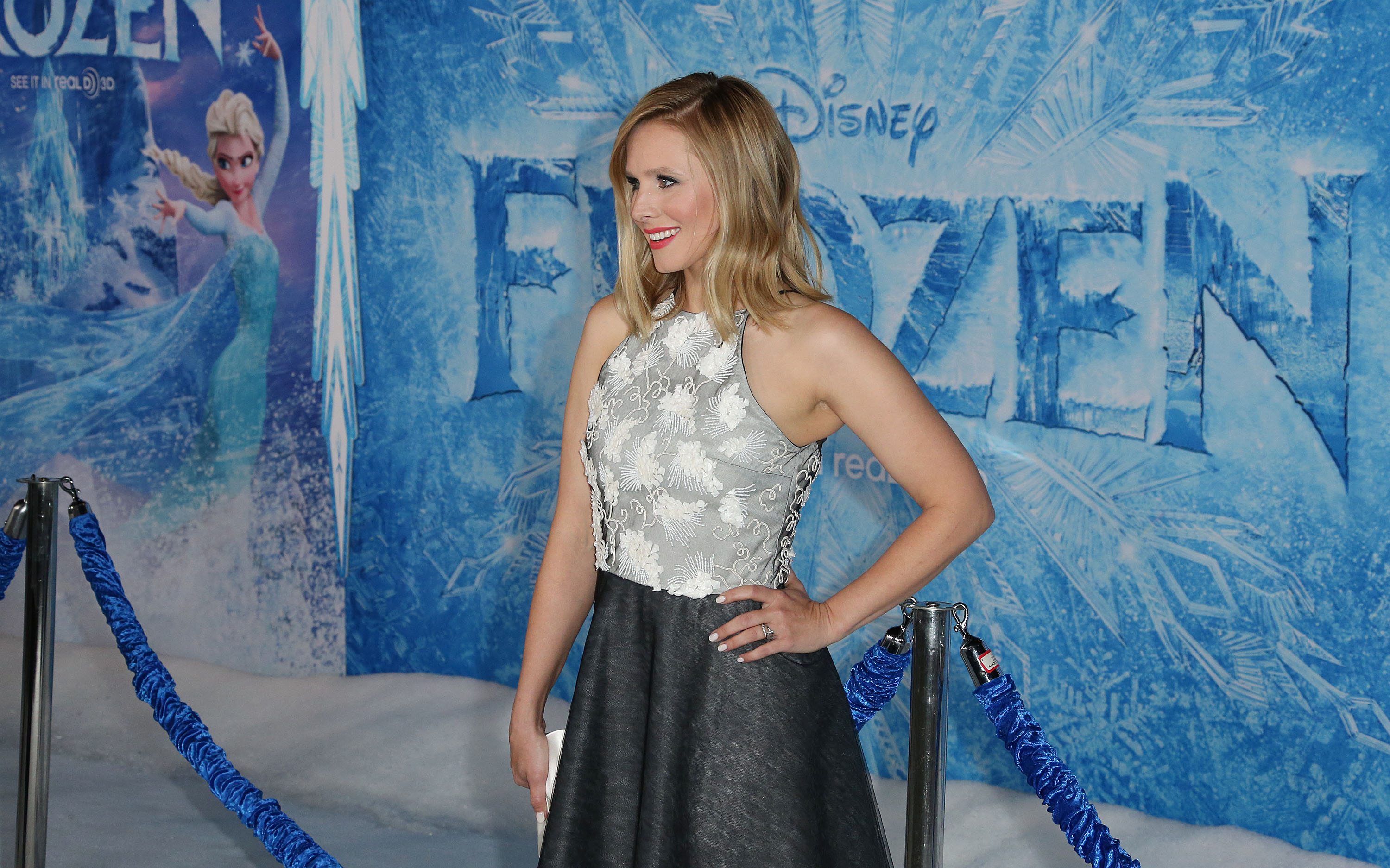 Premiere Of Walt Disney Animation Studios' 'Frozen' - Arrivals