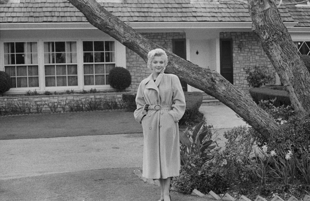 Marilyn Monroe Outside Her Home.