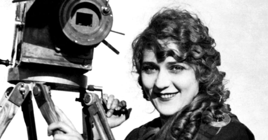 Extravagant Facts About Mary Pickford, America's First Sweetheart