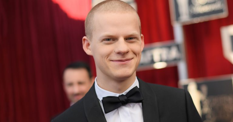 Lucas Hedges Facts
