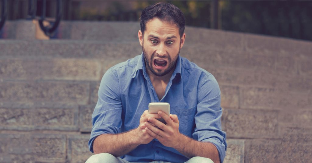 Regretful Pals Share Their Weird Encounters With Online Friends