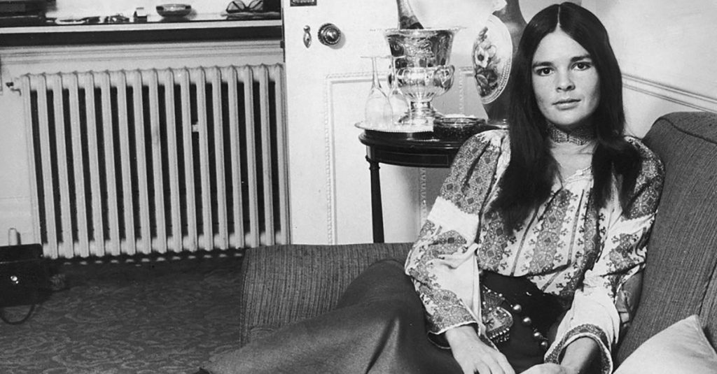 42 Fiery Facts About Ali MacGraw, 70s Hollywood Ingenue
