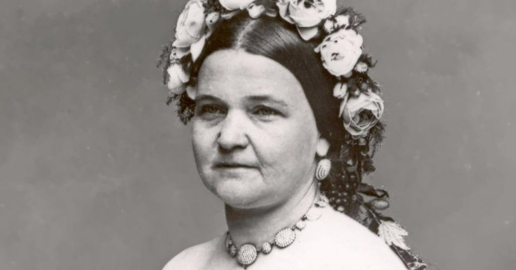 43 Heart-Wrenching Facts About Mary Todd Lincoln, America's Tragic First Lady