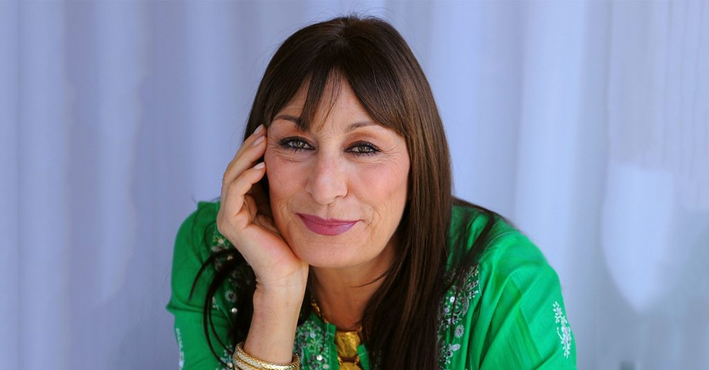 42 Provocative Facts About Anjelica Huston, The Hollywood Minx