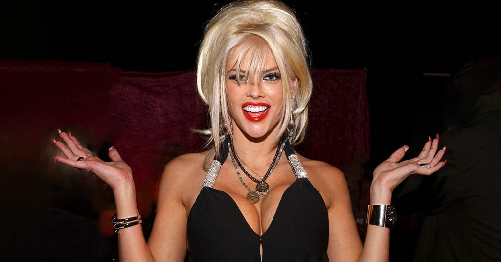 Buxom Facts About Anna Nicole Smith, The Tragic Bombshell