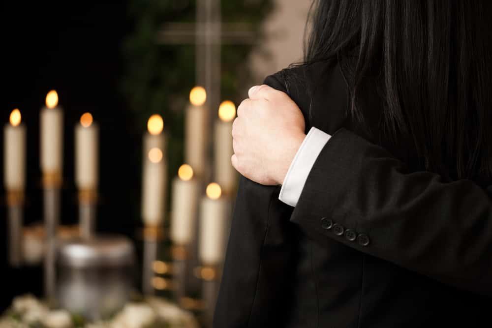 Crazy funerals facts