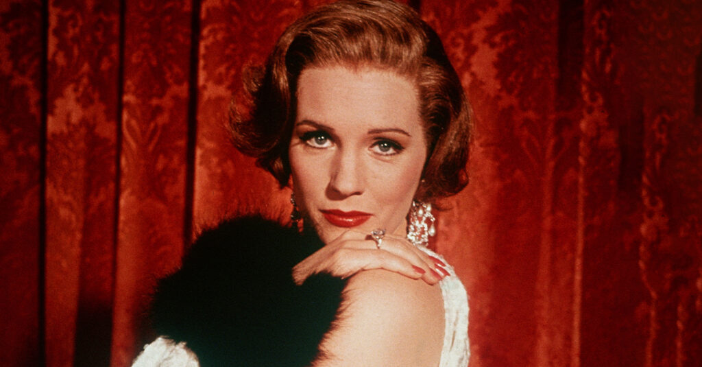 Surprisingly Dark Facts About Julie Andrews, Hollywood's Sweetheart
