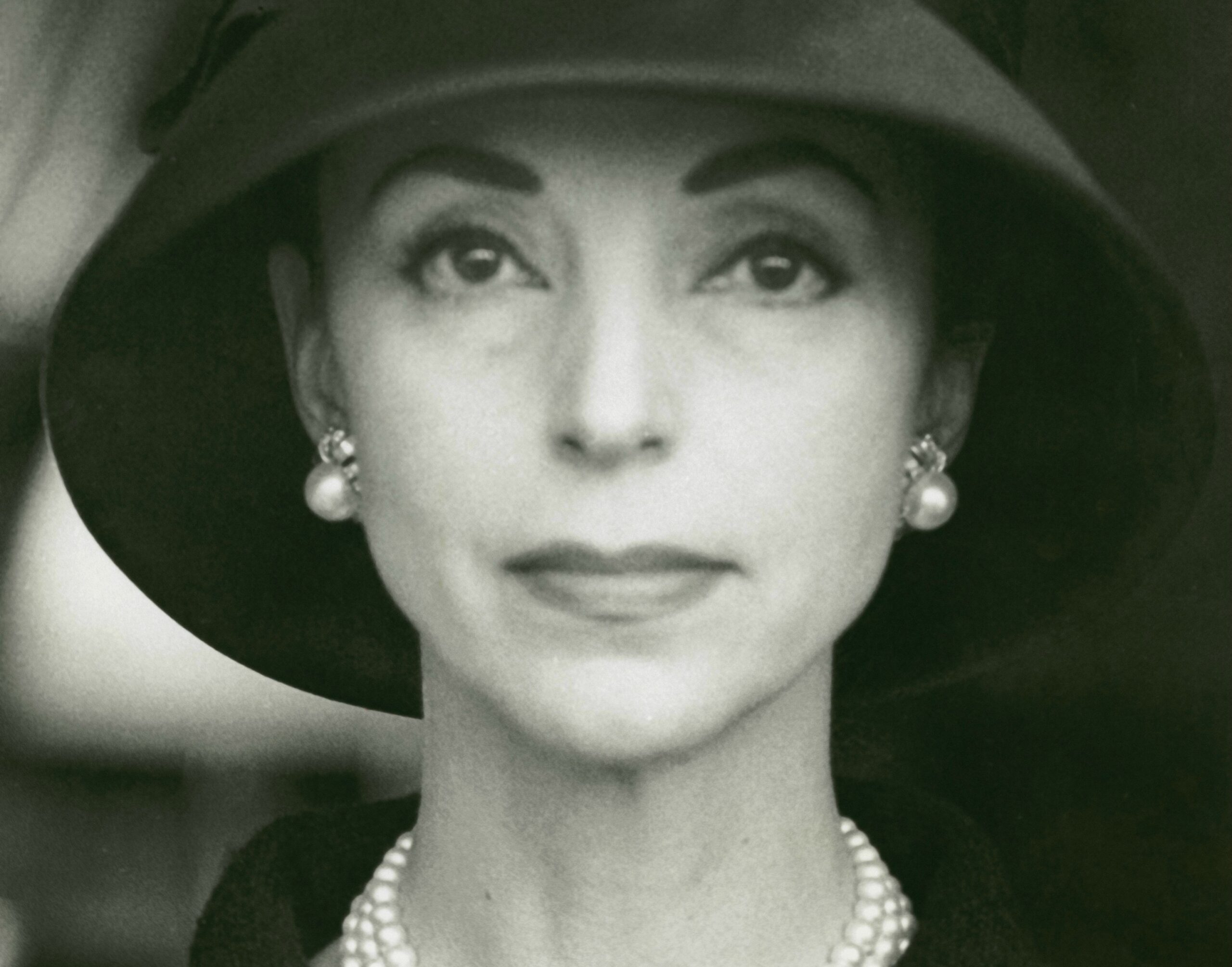 Gloria Guinness Facts