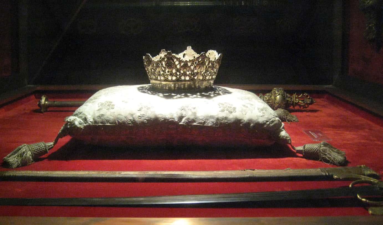 Isabella Of Aragon Facts