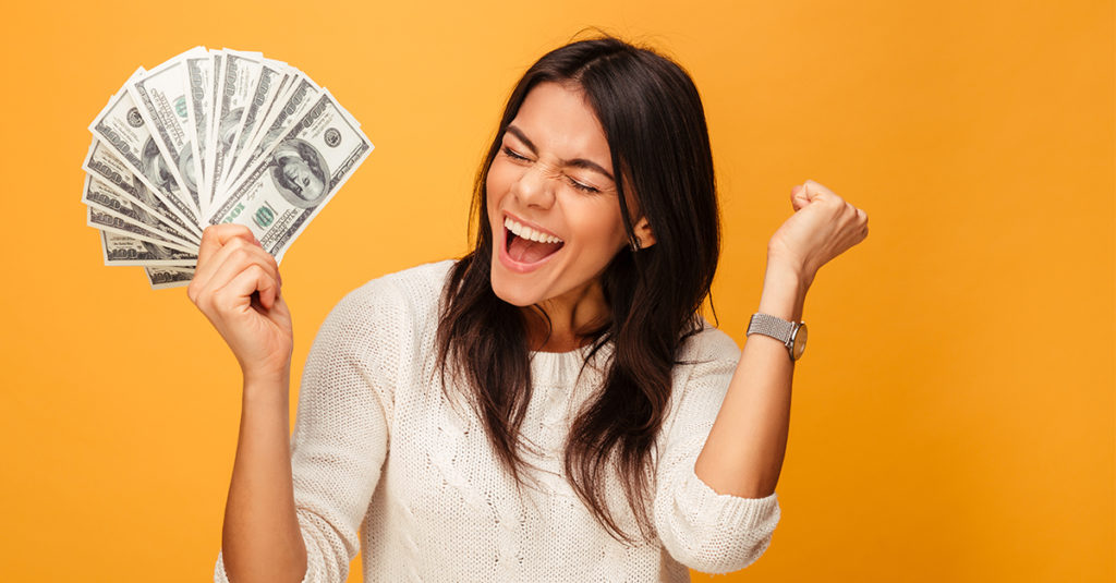 Four Easy Ways To Earn Some Extra Cash This Winter