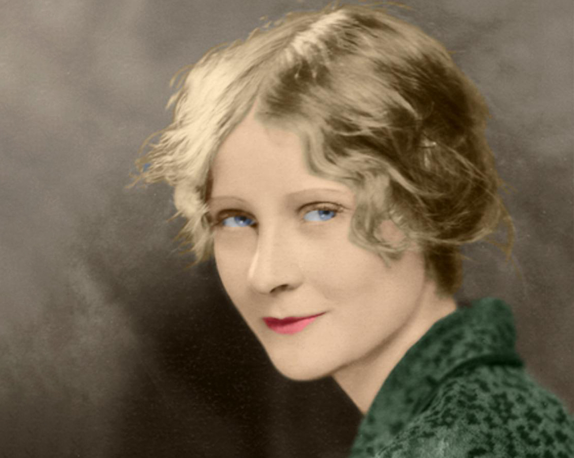 Tragic Facts About Peg Entwistle, Hollywood's First Victim