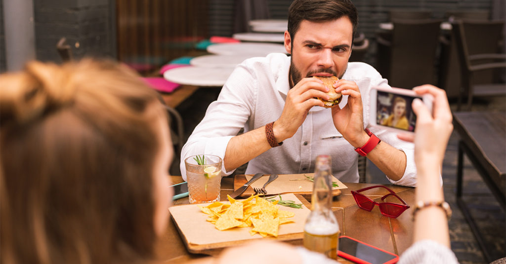 Servers Share The Most Cringe-Worthy First Dates They've Witnessed