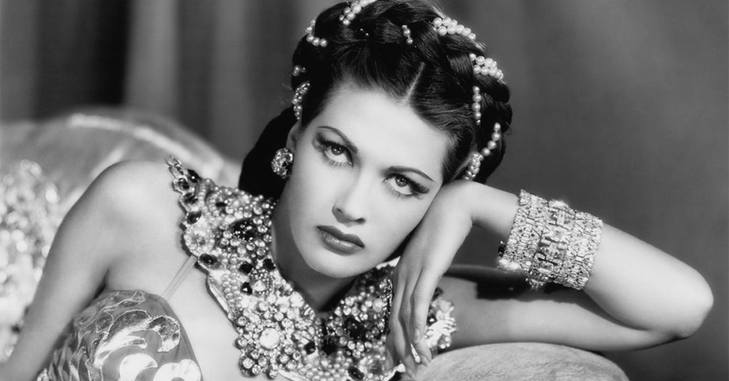 Enticing Facts About Yvonne De Carlo, The Technicolor Glamour Girl