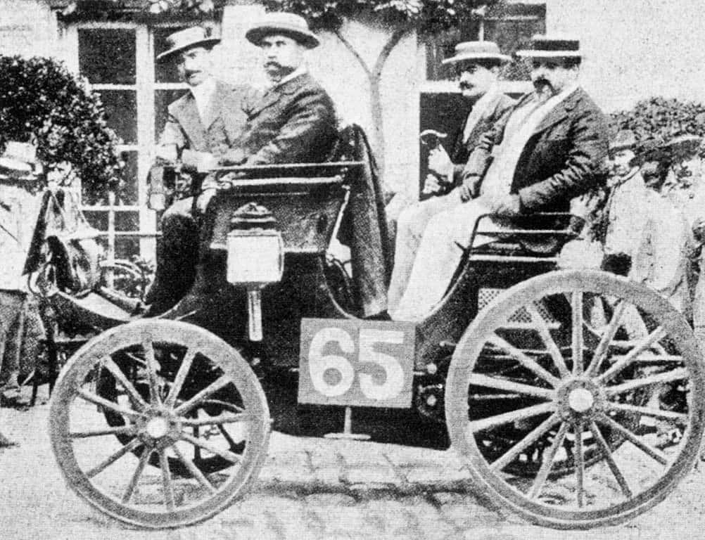 Auto Racing Editorial
